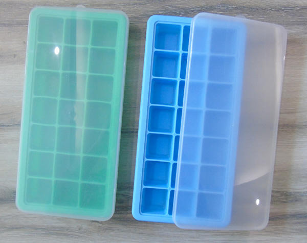 21 Cavities Silicone ice cube trays with lids