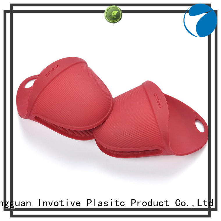 China silicone oven mitts trendy designs for pan Invotive