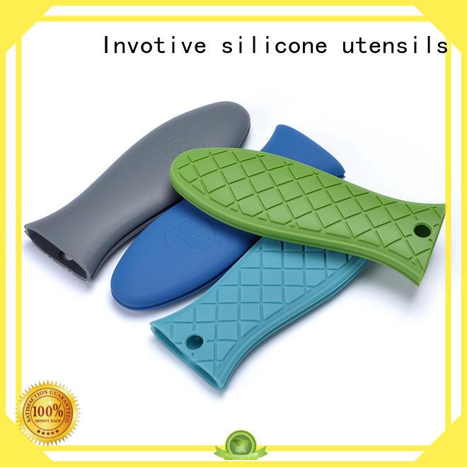 heat grip mini silicone cupcake molds cover Invotive company