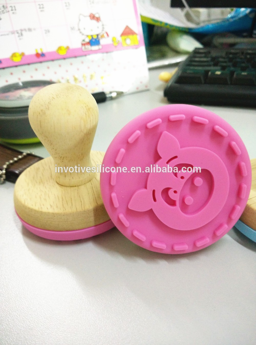 BPA Free Custom Christmas design silicone cookie press cookie stamp set